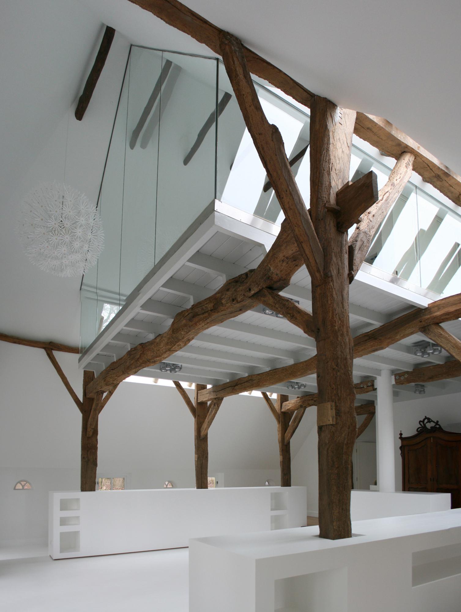 Stichting living daylights boerderij de borkeld - Interieur modern houten huis ...